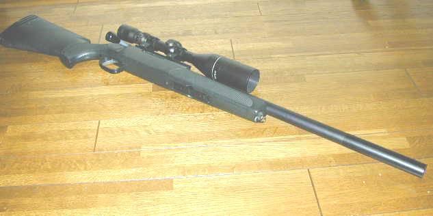 狙撃銃としてもっとも人気のあるAPS-2シリーズの中でも、一番サバイバルゲーム向きだと思われるのが、このSVです。