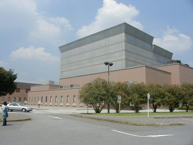 牛久市中央生涯学習センター